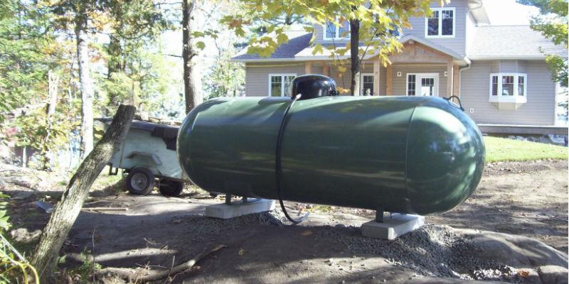 Propane tank in a back yard